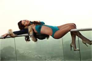 asena-bikinili-goruntuler-8