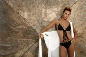 asena-bikinili-resimleri-12