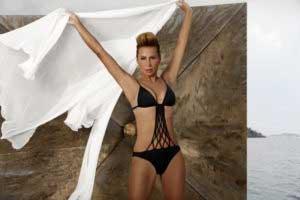asena-bikinili-resimleri-2