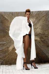 asena-bikinili-resimleri-5